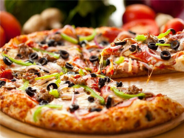 Есть пиццу в Италии