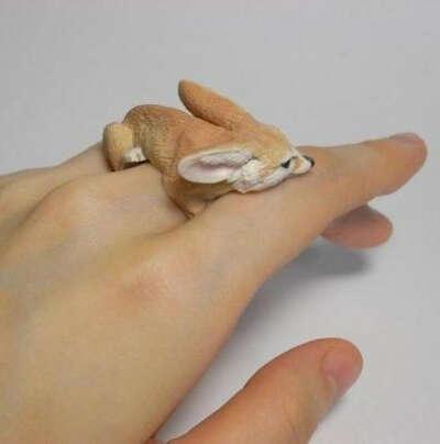 Кольцо с лисичкой-фенек