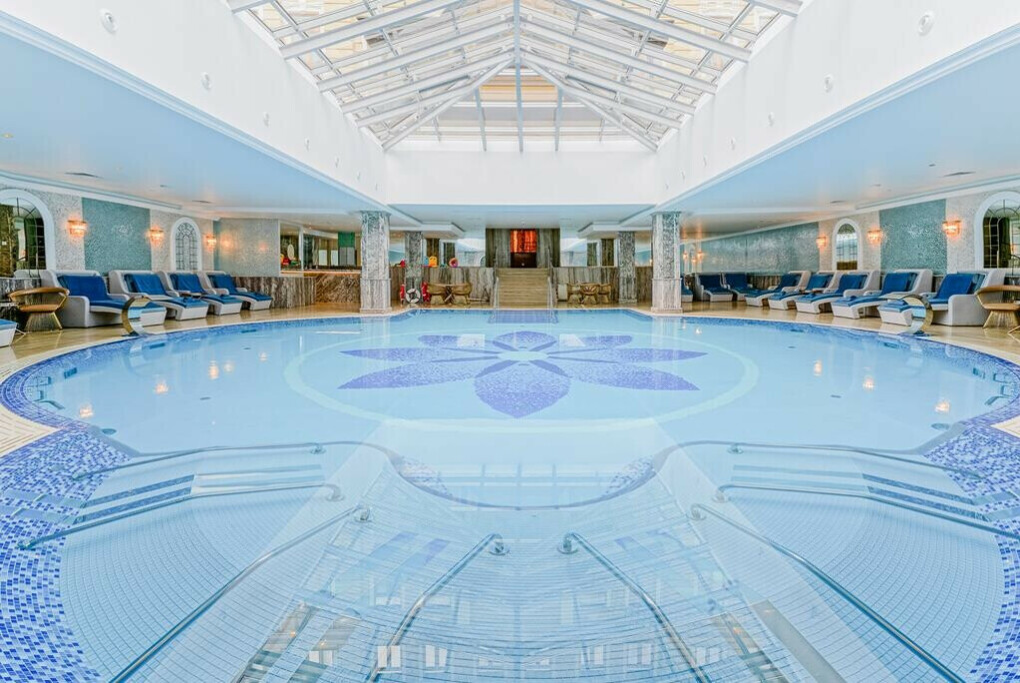 Остановиться в отеле Tsar Palace Luxury Hotel & SPA
