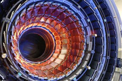 Побывать в Женеве и увидеть большой адронный коллайдер