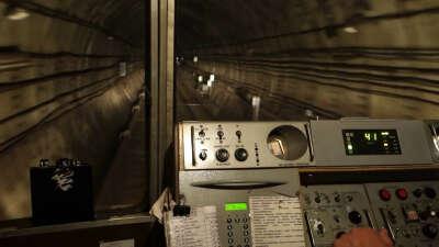 Прокатиться в кабине машиниста метро