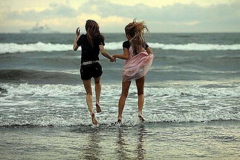 Отдохнуть с подругой на море