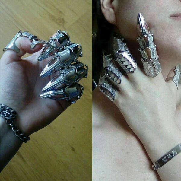 Кольцо латный палец