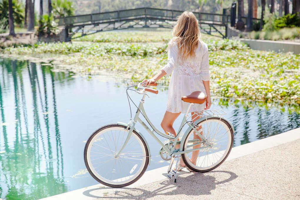Уметь ездить на велосипеде)))))))))))
