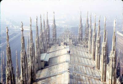 Пройтись по крыше католического собора