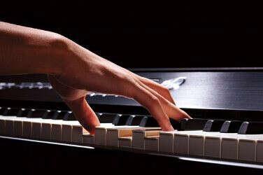 Курсы игры на фортепиано