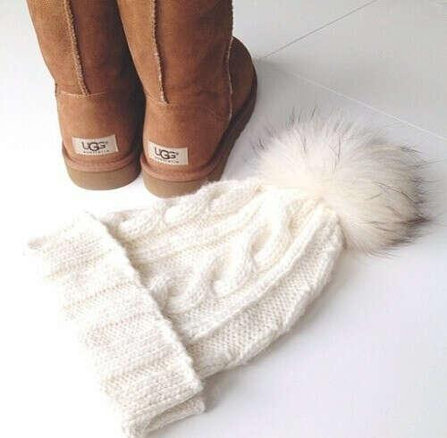 Белую шапку :)