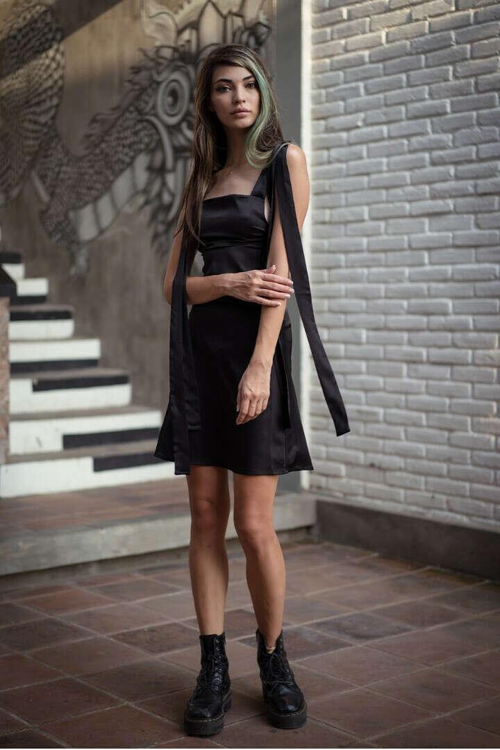 Шелковое платье от Curly House