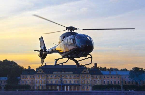 Полет на вертолете СПб в Санкт-Петербурге - цена для двоих 7990руб