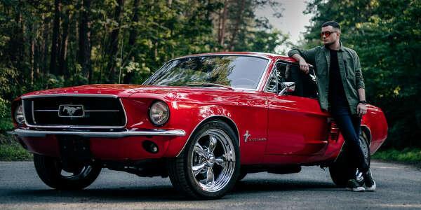 Порулить Ford Mustang