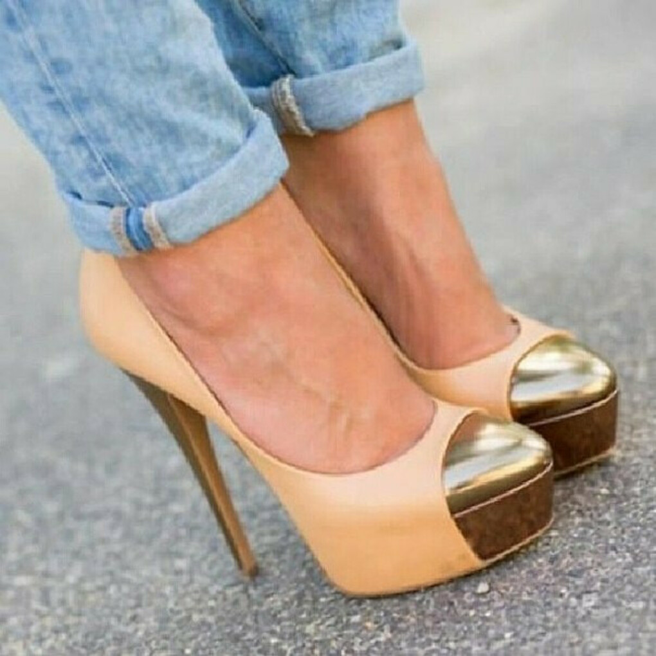 туфли с позолоченной отделкой
