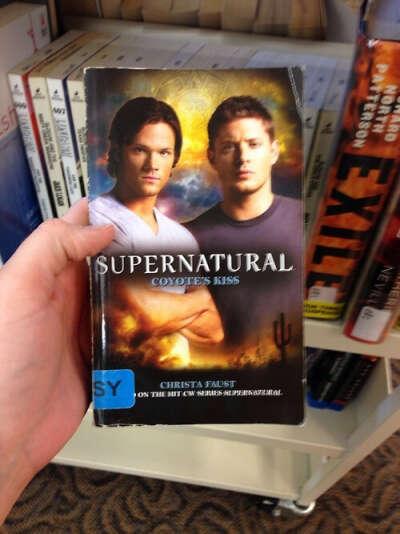 """Прочитать книги """"Supernatural""""."""