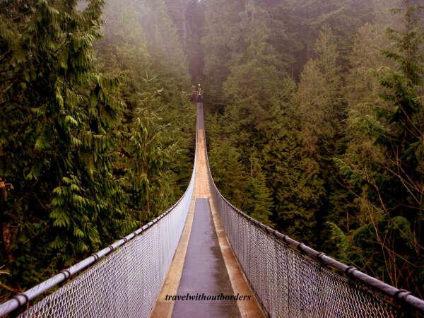 Пройти по мосту Капилано, Канада