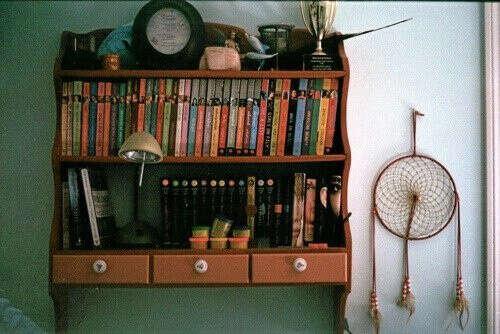 полочку для книг