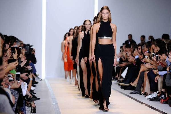 Побывать на Fashion Week (неделя моды)