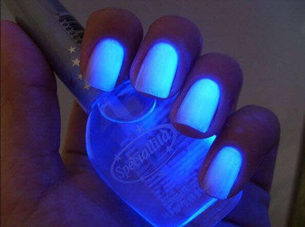 Я хочу много лаков для ногтей)