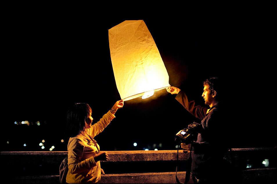 Запустить с любимым китайский фонарик