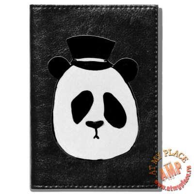 """Черная обложка на паспорт """"Панда в шляпе"""""""