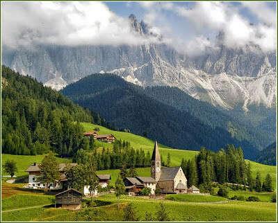 Поехать в Доломитовые Альпы