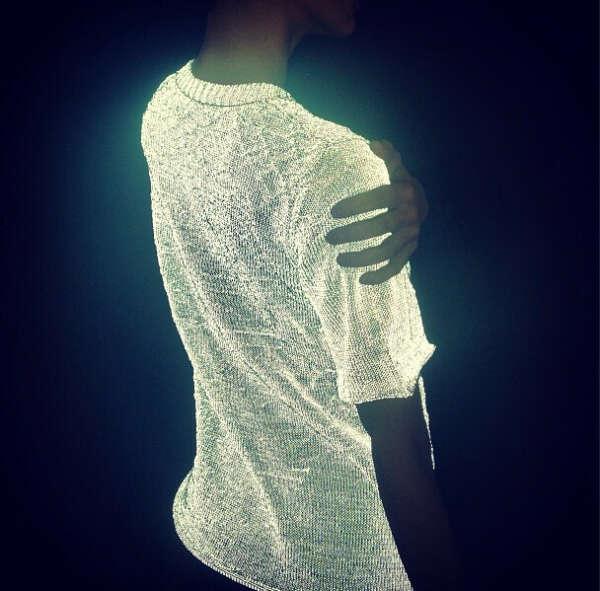 Светящаяся футболка Dion Lee