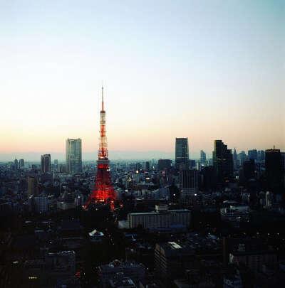 В Японию
