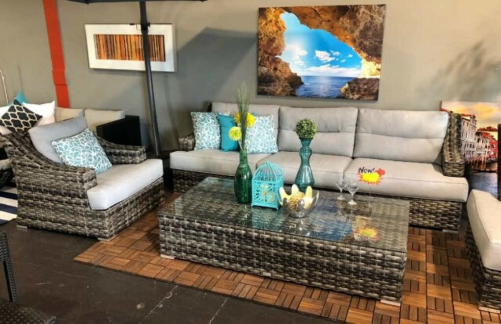 Discount Outdoor Furniture Canada   Vancouver Sofa and Patio