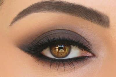 """Научиться делать макияж """"кошачий глаз"""""""