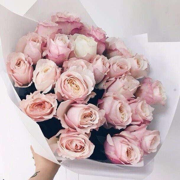 Букет пионовидных роз в скрап-бумаге
