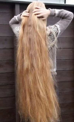 Красивые здоровые длинные волосы