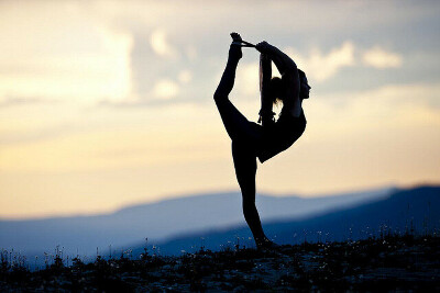 Пойти на йогу