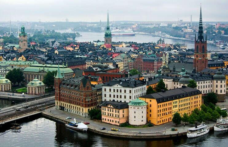 В швецию