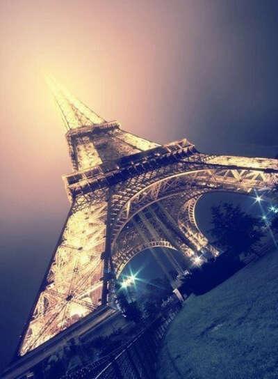 хочу отметить день рождения в Париже!