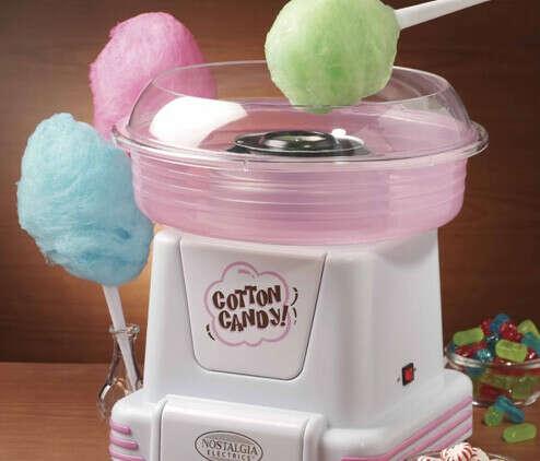 Машинка,которая делает сахарную вату *_*