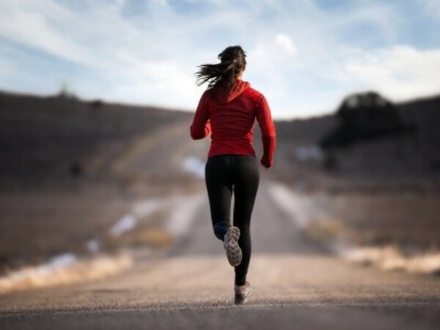 Приучиться бегать регулярно