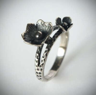 Кольцо 'Fleur' серебряное