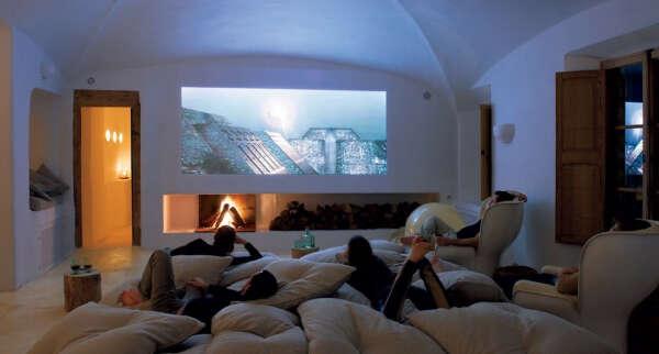 проектор для домашнего кино.