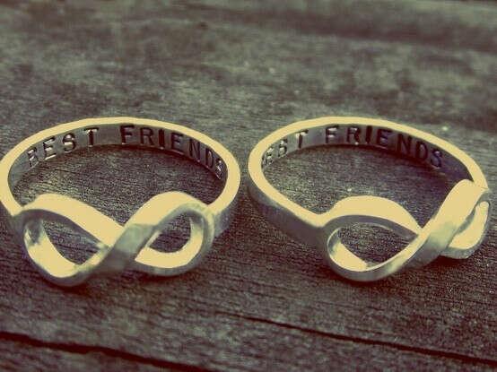 Кольца дружбы (намек подруге)