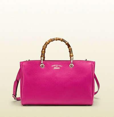 много разных сумок от лучших дизайнеров