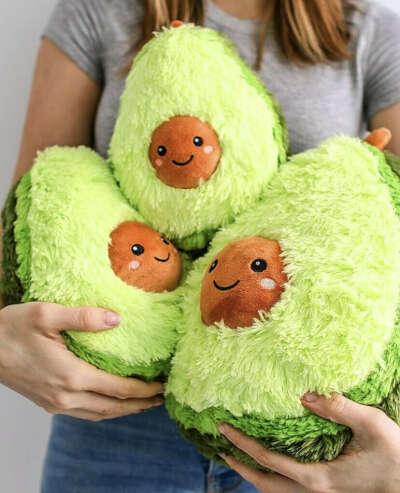Игрушка авокадо из Икеи