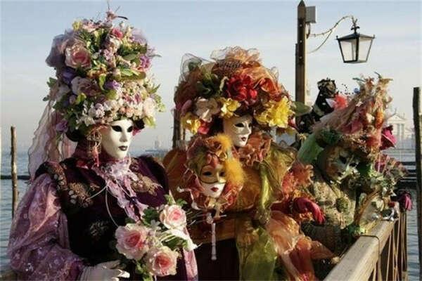 Побывать в Венеции во время Маскарада
