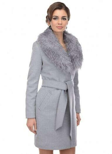 Женское полупальто Пальто приталенное ЗВ 14 19 с отделкой блюфростом серого цвета за 13900 руб.