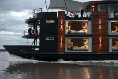Желаю совершить путешествие на таком корабле-отеле!