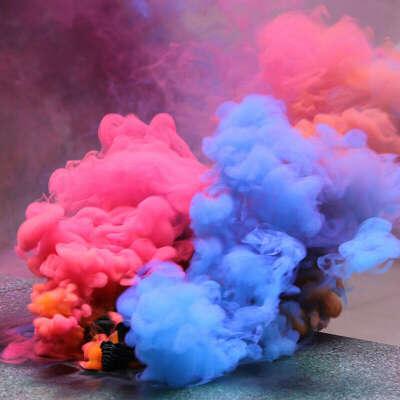 Цветной дым розовый/фиолетовый, который можно держать в руках