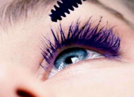 Фиолетовая тушь для ресниц