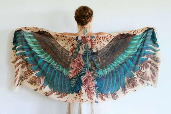 Крылатый платок