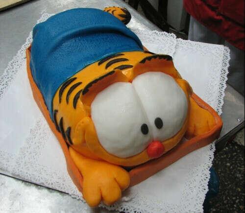 Хочу такой тортик.Гарфилд форева