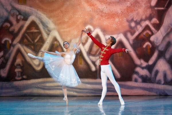 Пойти на балет Щелкунчик в Большом театре