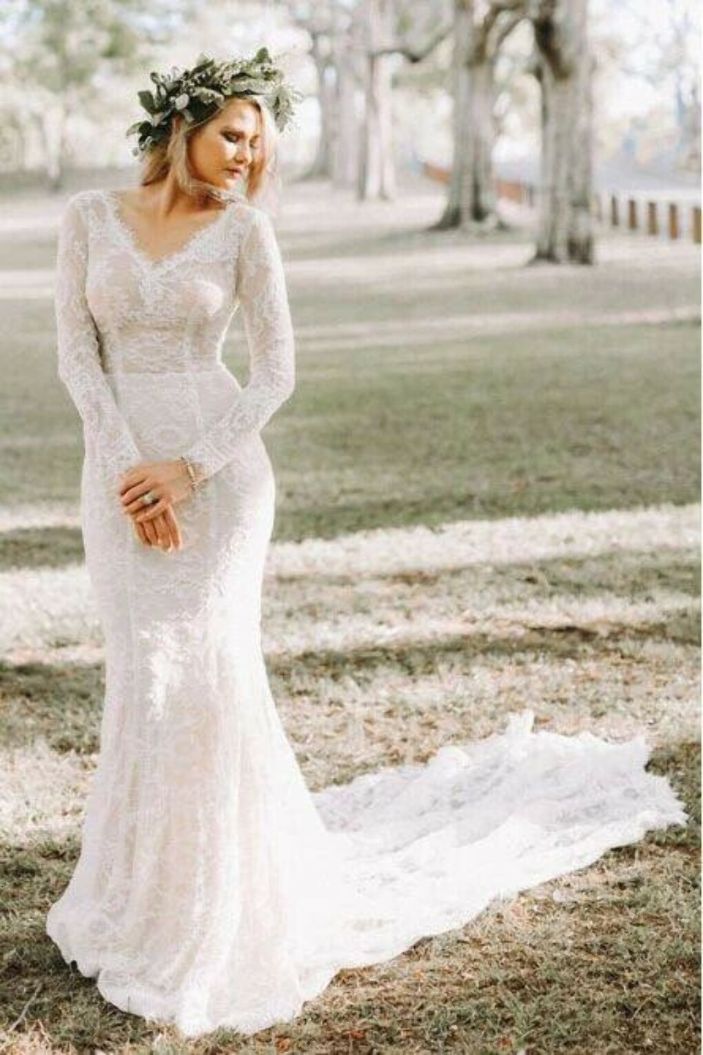 Mermaid V-Neck Backless Long Sleeves Lace Elegant Wedding Dress PFW0435