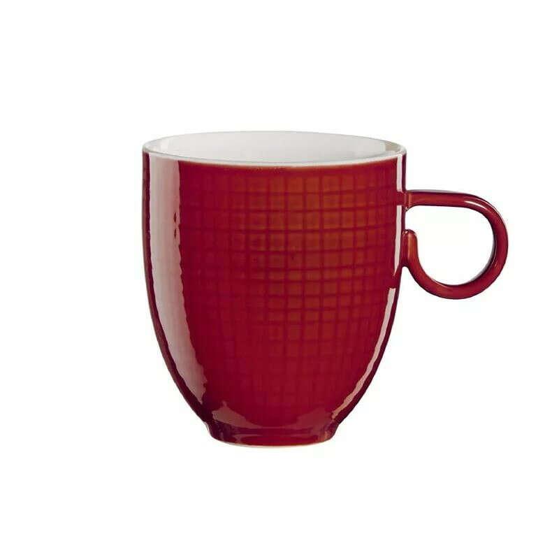 Поллитровую кружку для чая.