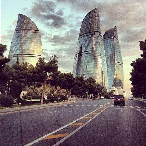 Поехать в Баку!!!